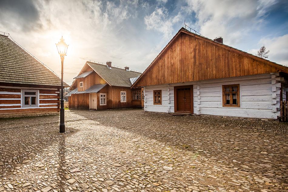 Rynek Galicyjski w Muzeum Budownictwa Ludowego w Sanoku. Fot. Michał Bosek