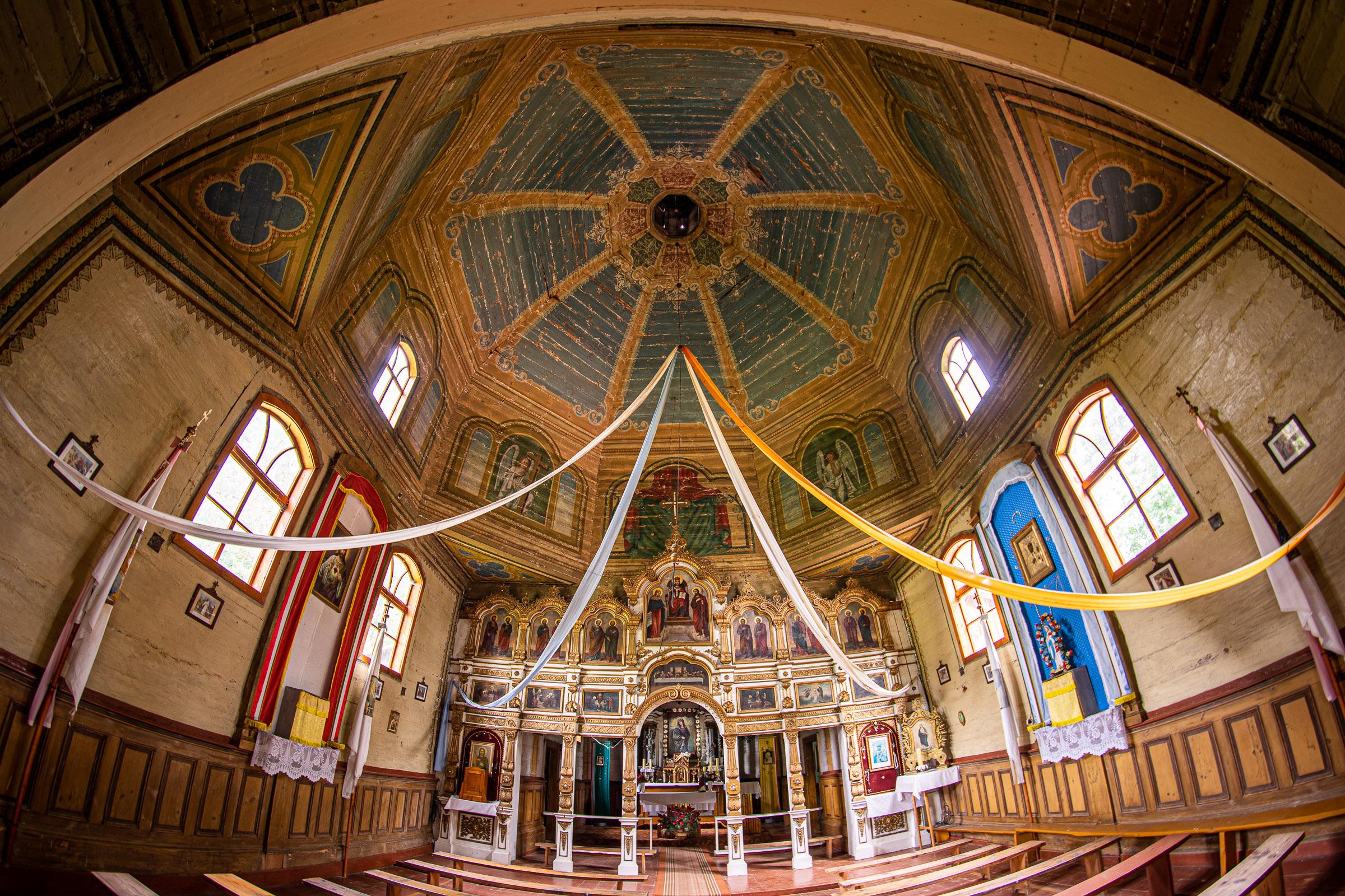 Wnętrze cerkwi św. Paraskewy w Łówczy. fot. Krzysztof Zajączkowski